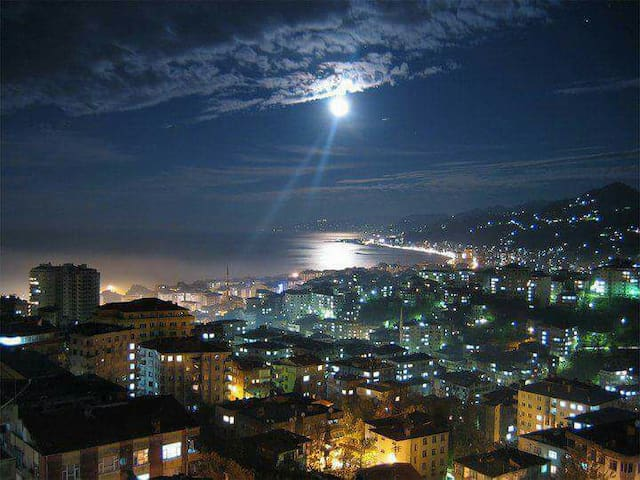 Teras keyfi ve İstanbul Manzarası. Evin tamamı - Fatih  - Rumah
