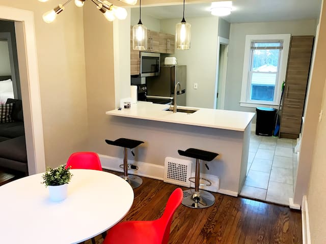 Updated Home in Downtown Royal Oak! - Royal Oak - House