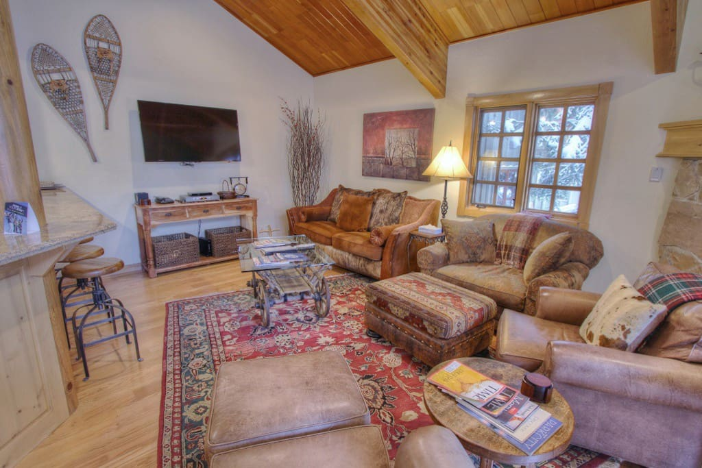 """Living Room with 55"""" Flat Screen TV, Blu Ray and Gas Fireplace"""