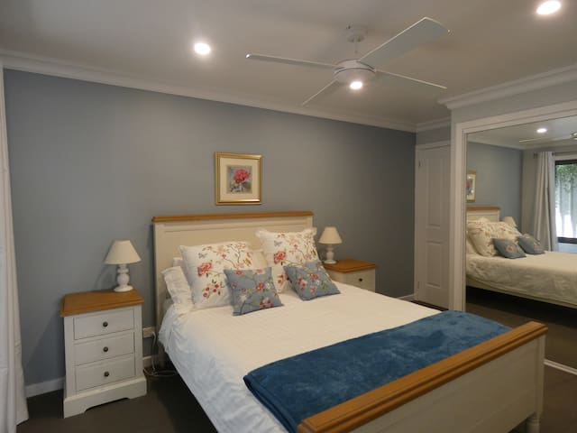 Private getaway close to the heart of Beechworth.