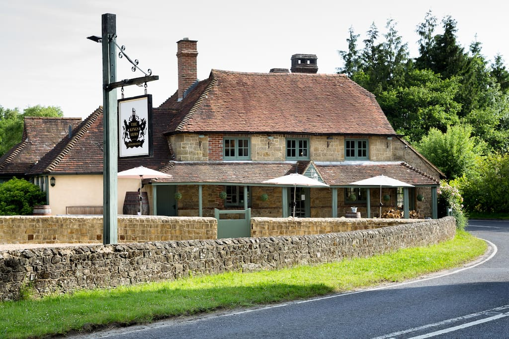 Our Bed and Breakfast rooms are situated next to The Kings Arms Pub, Fernhurst
