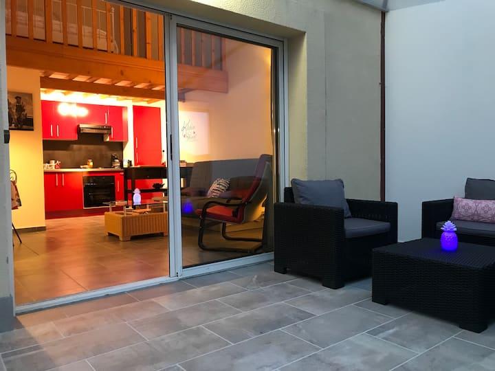 Studio jardin vue Pyrénées et Vins