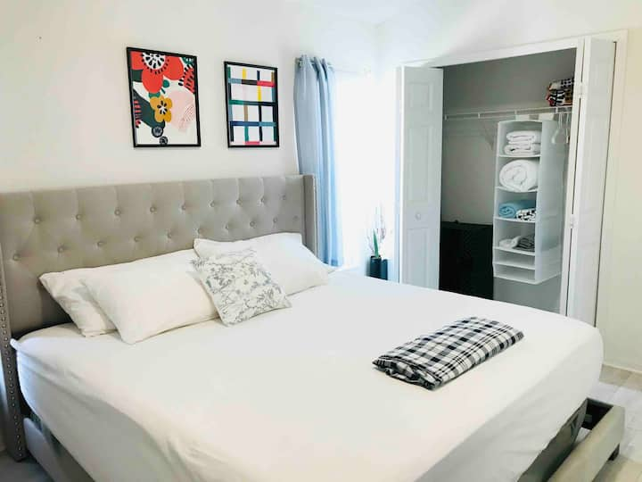 Kingbed suite/Pvt Bath/Sunshine Pool/Near Disney