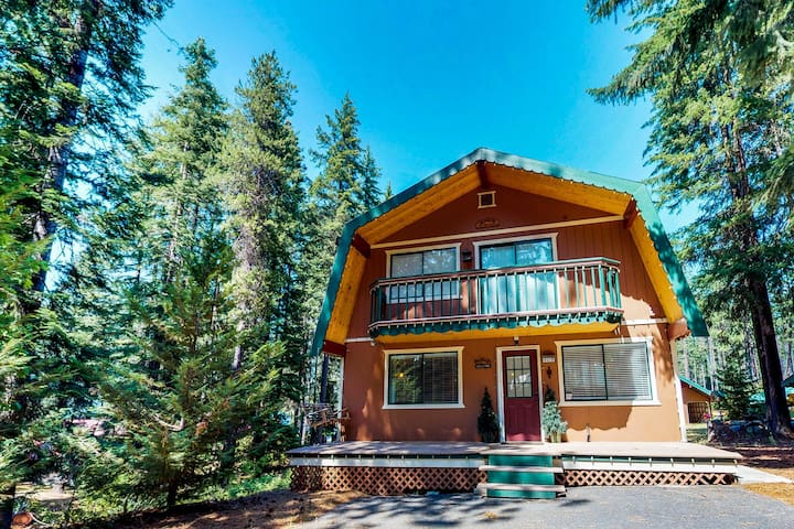 Three separate cabins, Fish Lake access, game room,  & private hot tub!