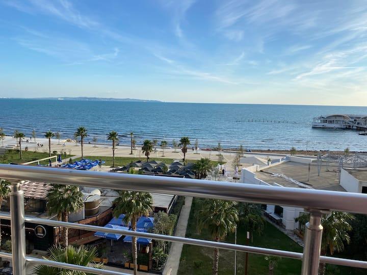 Full Sea View| Spacious Luxurious Apartment