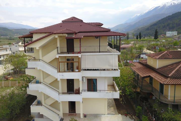 Hotel Villa Ago- Suite 2 (mountain view)