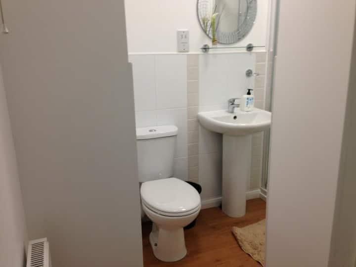 Single room-Comfort-Shared Bathroom-Tiny Room