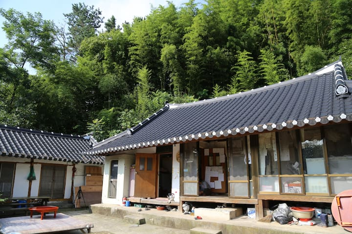 안방 - Sannae-myeon, Namweon - Casa