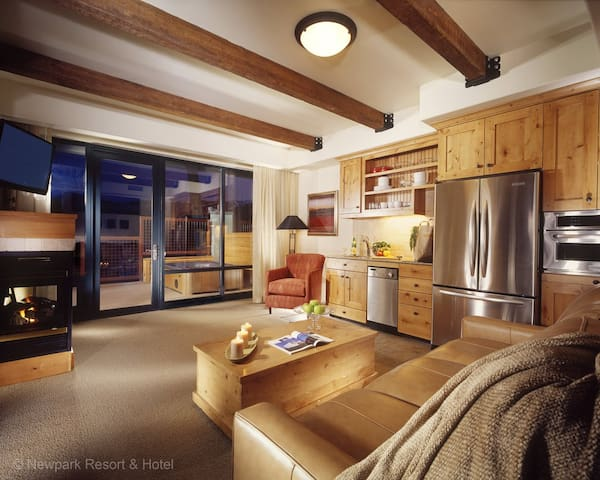 Newpark Resort - One Bedroom Luxury Suite