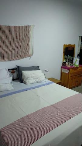 Chambre avec lit doubles privée