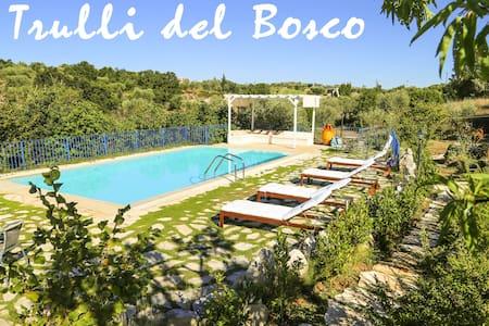 Trulli del Bosco, immersi in un Oasi Naturale