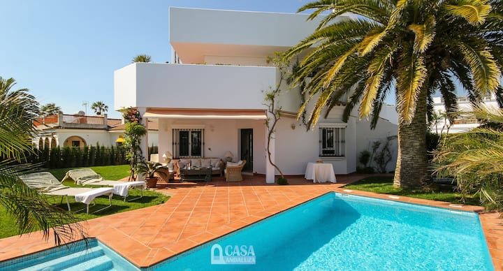 Beautiful architect villa in Fuente del Gallo