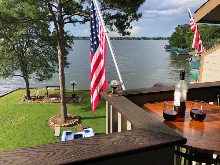 Lakefront 3 bed 3 bath with elevator