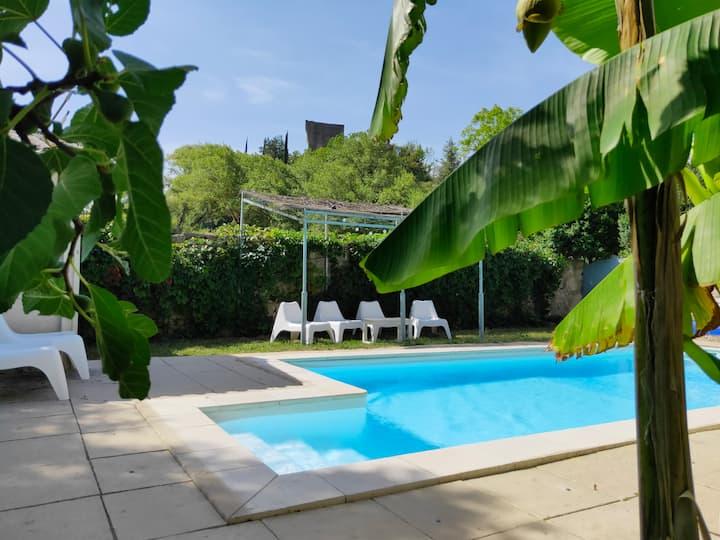Maison de village avec piscine en Drôme provençale