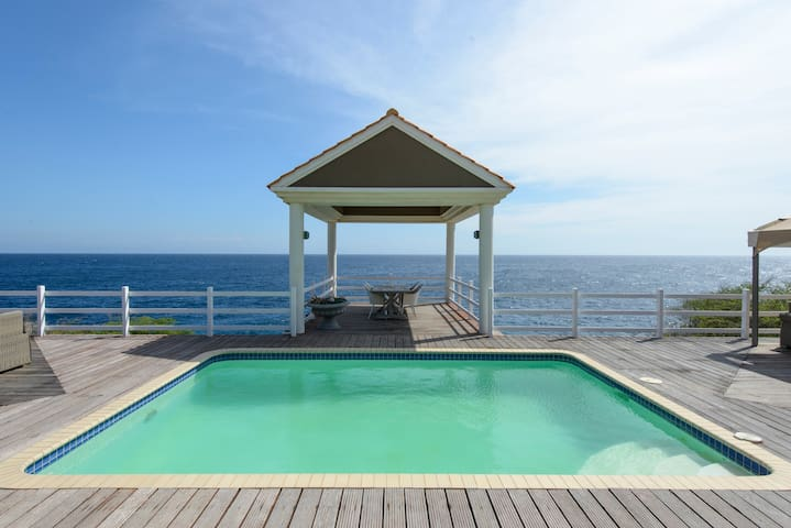 Oceanfront villa at Coral Estate, Curacao - St. Willibrordus