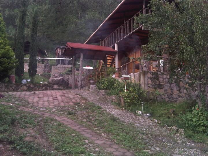 Cabañas con Temazcal a pie del Nevado de Colima
