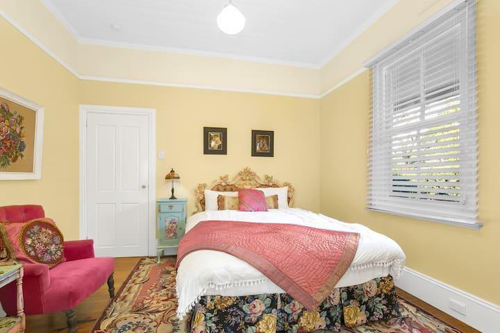 Phòng ngủ 4