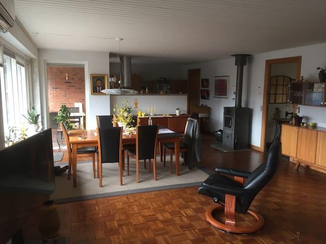 Dejlig familievenligt rækkehus i udkanten af Vejle - Vejle - Hus