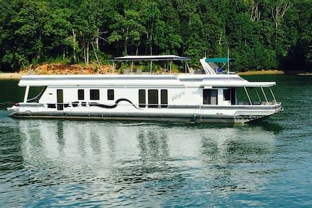 80 ft. Luxury Houseboat on Lake Lanier - Buford - Loď