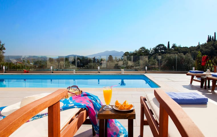 April & May from only 130 euros for Private Villa - Ligia
