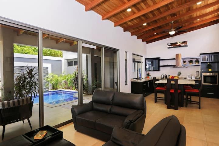 Villa Konka | 2BR Private Pool | walk to the beach