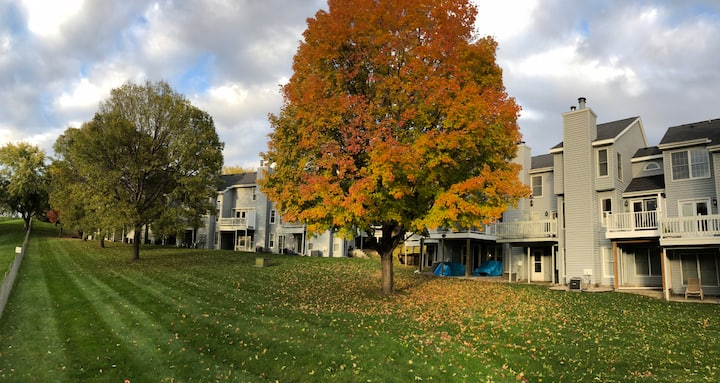 Beautiful Townhome on Bent Creek Golf Course