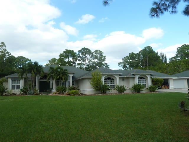 Beautiful house in West Palm Beach - Loxahatchee