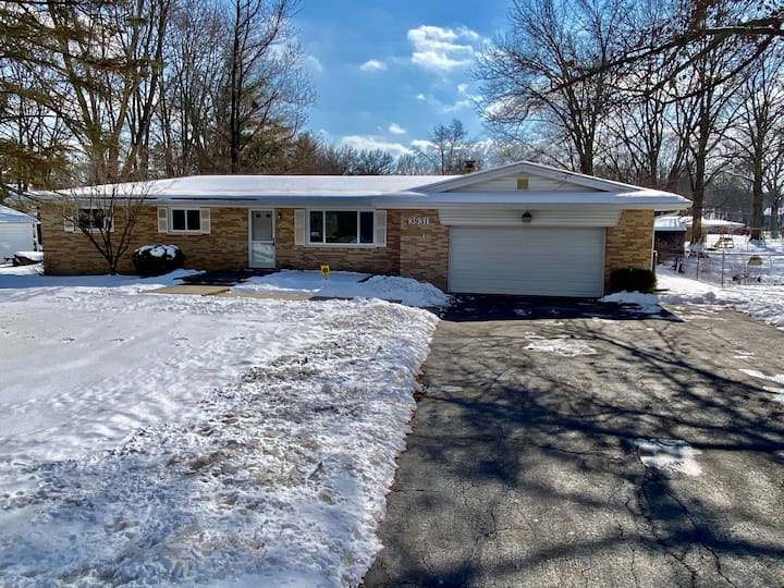 Cozy Comfortable  Loveland Ohio Three Bedroom Home