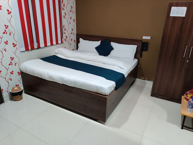 Sahib's Gyanz - A COMFORTABLE STAY IN CITY CENTER