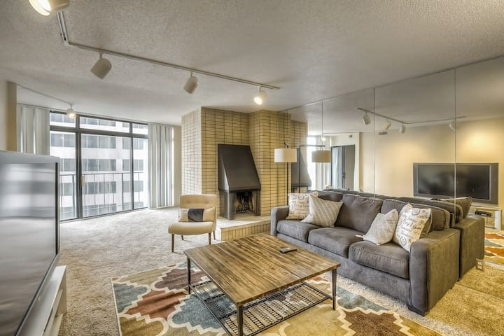 Centrally Located - Coors Field - Downtown!