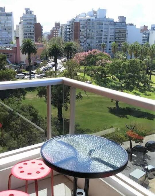 Balcón con vista al Parque Villa Biarritz