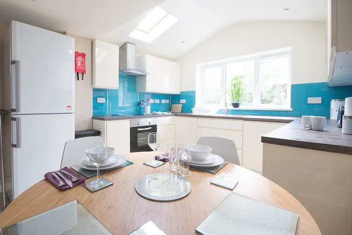 Seaside Rooms 2mins from the beach, Eastbourne
