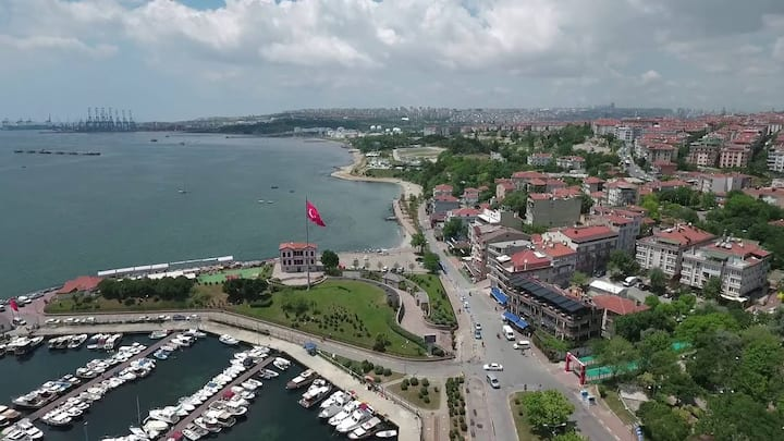 134 one bedrooms clean flat in the Amazing Istanbu