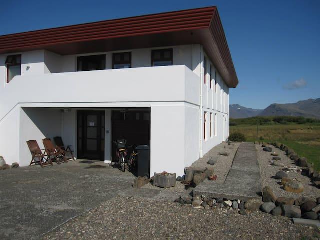 Aurora Inn, studio B, Dalbraut 4, Höfn - Höfn - Apartamento