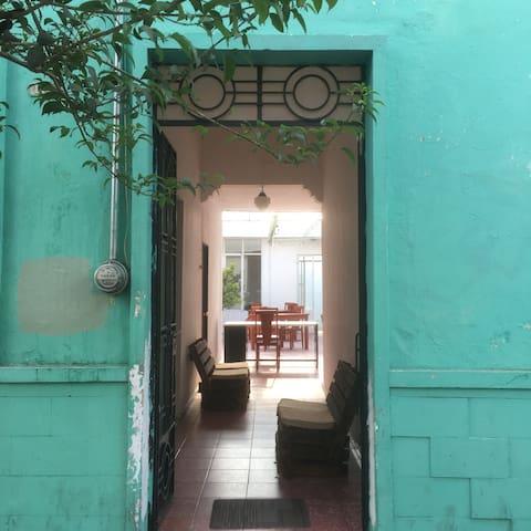 Habitación Privada Con 3 Camas Green House Hostal