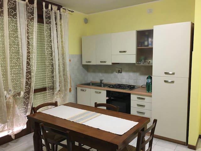 Accogliente monolocale per 4 persone - Perugia - Lägenhet