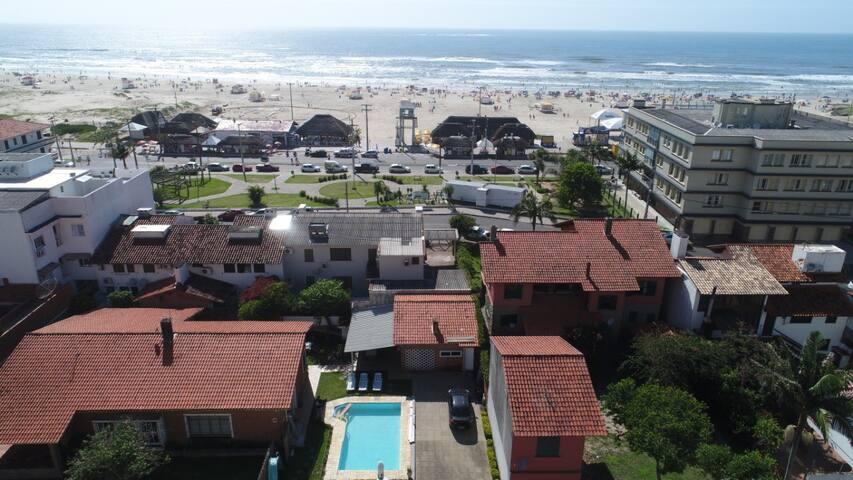 Casa com Piscina - Beira-mar