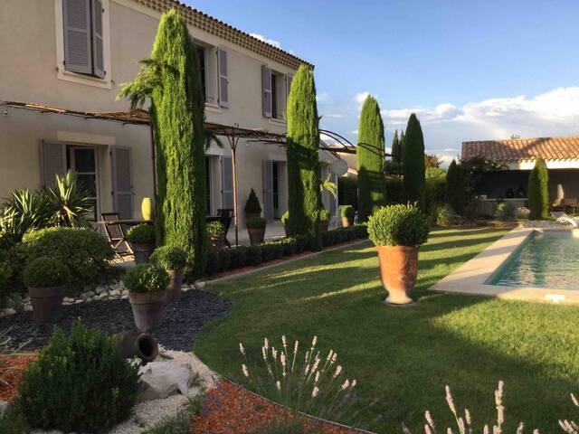 Maison provençale près de Montélimar