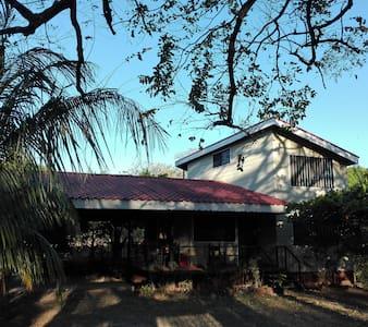 Casa a 10min del aerop Daniel  Oduber, Liberia CR