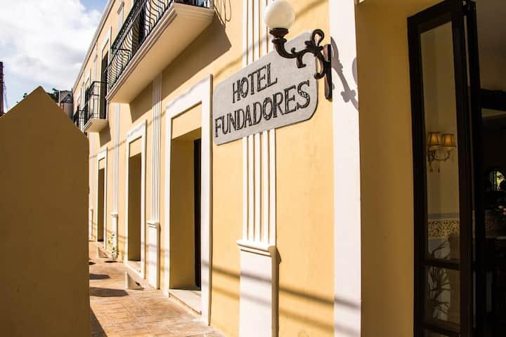 Hotel Fundadores