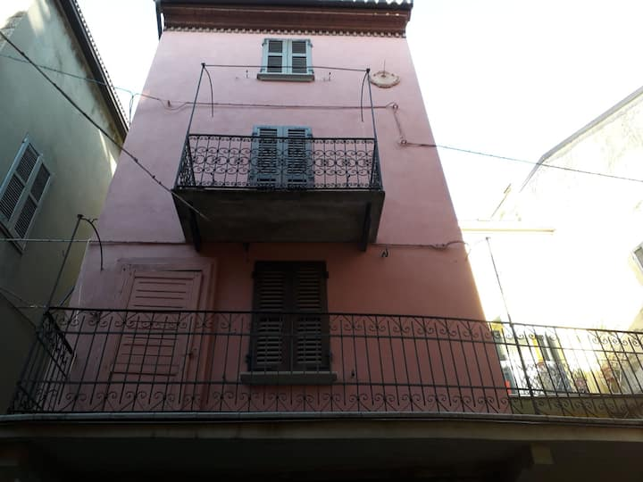 La Torretta rosa: Varzi centro storico
