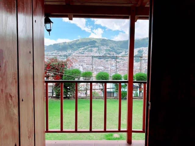 Cabaña con hermosa vista sector Centro de Quito