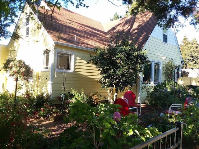 Friends' Cottage