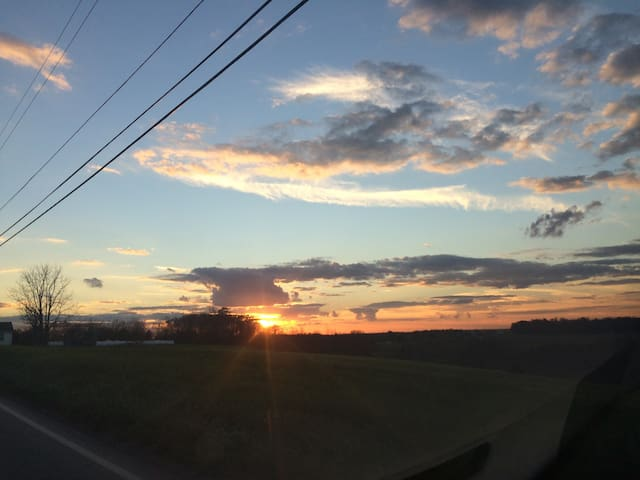 Lovely home, gorgeous sunsets! - Punxsutawney - Maison