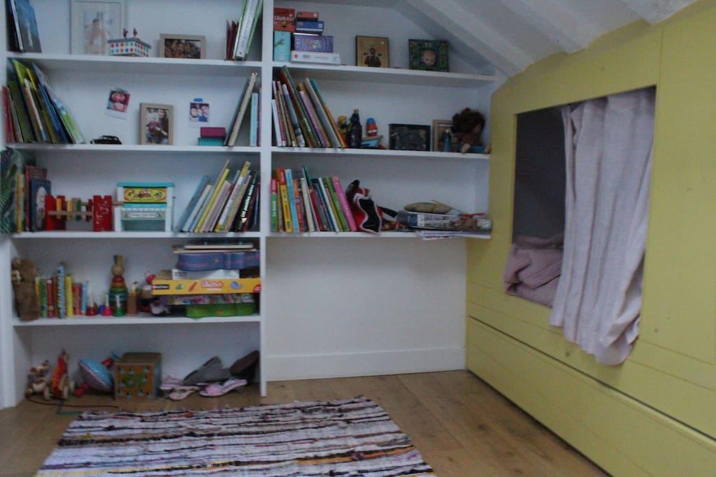 La chambre des enfants avec un lit cabane :)