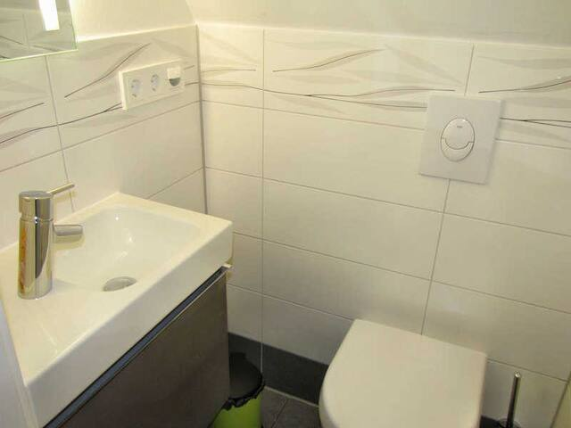 Spitzdach Gäste WC