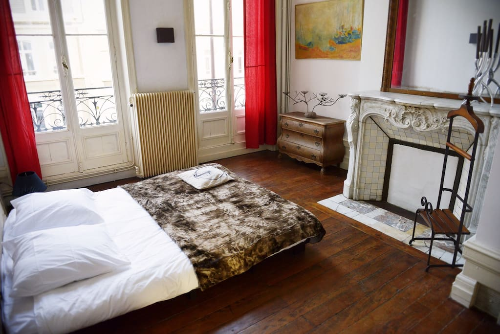 Appartement proximit vieille ville flats for rent in - Appartement de ville anton bazaliiskii ...