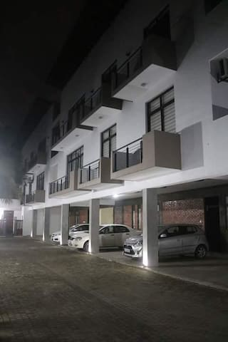 exclusive,convenient and luxury apartment on rent