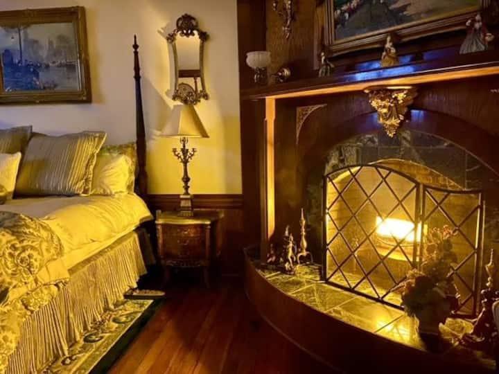 The Magnolia Room @Hogan House a Historic 1890 B&B