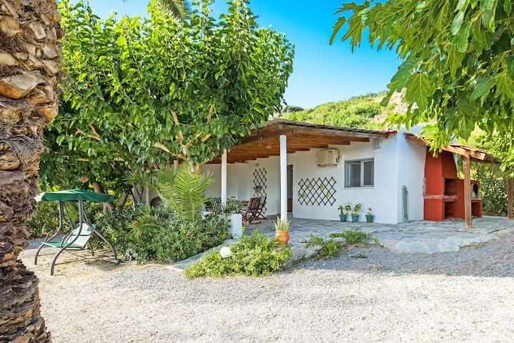 Waterfront cottage,Swimming Pool,Car recommended 3